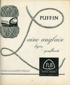 """Magazine """"Jardin des modes"""" - cahier spécial tricots n° 188 - janvier 1963 - Publicité pour la qualité """"Puffin"""" des laines Patons et Beehive."""