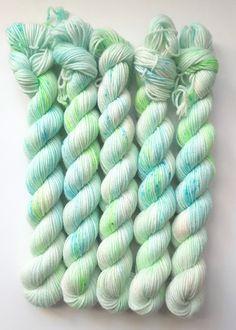 Namaste Mini-Skein hand dyed yarn,speckled 20g von Fadenbunt auf Etsy