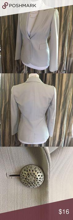 Light blue Tahari jacket sz 2 Elegant pale blue blazer by Tahari. Petite sz 2 fully lined with one button closure in the front. Tahari Jackets & Coats Blazers
