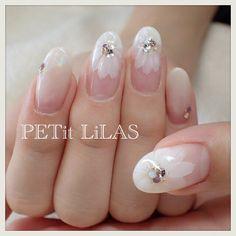 I like how delicate it is. Glam Nails, Beauty Nails, Cute Nails, Pretty Nails, Nail Polish Designs, Cute Nail Designs, Fabulous Nails, Gorgeous Nails, Nagel Hacks