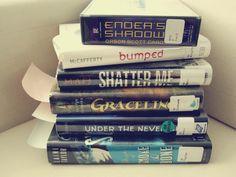 What I've Been Reading: Graceling, Vampire Academy, and Ender's Game - Rae Gun Ramblings