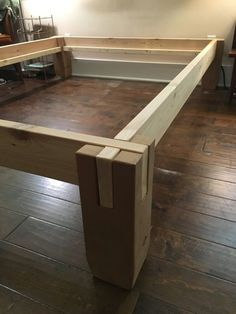 Gekerbte Holz Bettgestell - Bett ideen Notched wood bed frame Notched wood bed frame The post Notche Timber Bed Frames, Timber Beds, Wood Beds, Furniture Projects, Wood Projects, Diy Furniture, Furniture Design, Office Furniture, Steel Furniture