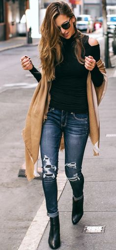 Vanilla Extract Camel Statement Scarf Streestyle Inspo black turtle neck, camel scarf, jeans, ankle boots black