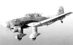 """""""El famoso Stuka se estrenó en combate en 1936 durante la como parte de la Legión Cóndor. Helicopteros De Guerra, Vehículos Militares, Aviones Caza, Aviones De Combate, Pilotos, Aviones Segunda Guerra Mundial, Fuerzas Armadas, Mejores Fotos, Historia"""
