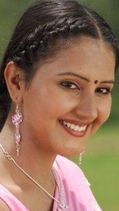 Beautiful Girl Photo, Beautiful Girl Indian, Beautiful Indian Actress, Beautiful Women, Stylish Girl Images, Cute Beauty, Indian Beauty Saree, India Beauty, Girls Image