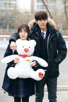 'Uncontrollably Fond' Kim Woo-bin and Bae Suzy look gorgeous ever in school uniforms. Kim Woo Bin, Bae Suzy, Korean Drama Movies, Korean Actors, Korean Actresses, Korean Dramas, Korean Idols, Park Shin Hye, Uncontrollably Fond Korean Drama