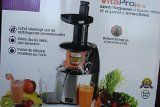 Salton JE1372 Vitapro Low Speed Juicer - Salton, Vita Pro Low Speed Juicer expels a much drier pulp than conventional juicers and maintains up to 60-Percent more nutrients in the juice. Cold press technology thoroughly squeezes out the juice from fruits, vegetables and soybeans without damaging the ingredients with frictional heat that... - http://reliablejuicer.com/salton-je1372-vitapro-low-speed-juicer/