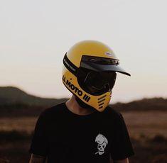 Cafe Racing, Cafe Racer Motorcycle, Motorcycle Outfit, Motorcycle Helmets, Riding Helmets, Bell Moto 3, Honda Dirt Bike, Vintage Helmet, Helmet Accessories