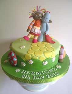 In the Night Garden cake with Iggle Piggle, Upsy Daisy and the HaaHoos by CakeyCake Garden Birthday Cake, First Birthday Cakes, Birthday Ideas, 3rd Birthday, Cake Icing, Cupcake Cakes, Cupcakes, Twins Cake, Garden Cakes