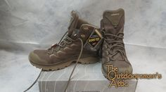 Looking for an outdoor mid-cut boot that can do anything and go almost anywhere? The versatile LOWA Innox GTX mid is prefect for a day on the trail with the extra support you gain from a mid-cut design. The Innox GTX is lightweight yet super stable and supportive, thanks to its tough synthetic uppers and LOWA?s exclusive PU (polyurethane) MONOWRAP midsole construction, which acts like a frame to firmly hold your foot and keep you steady when you?re moving fast over uneven terrain. The…