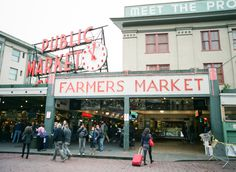 Pike Place Market - Local's Guide to Seattle, Entouriste Seattle Travel, Moving To Seattle, Seattle Pike Place Market, Seattle Vacation, Vacation List, Seattle Washington, Washington State, Her Packing List, Melrose Market