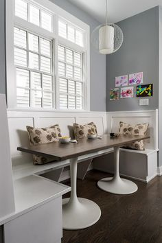 HGTV.com shares gorgeous kitchen booths and banquettes as well as tips and stories from top designers.
