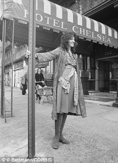 Doors are being auctioned off from New York City's infamous Hotel Chelsea, which attracted writers like Germaine Greer (main) and stars like Sid Vicious, who killed his girlfriend Nancy (inset) at the hotel Chelsea New York, Chelsea Hotel, Victoria Cohen, Germaine Greer, New York Buildings, Spiegel Online, Patti Smith, Beatnik, Fashion Styles