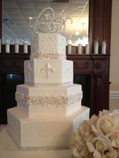 wedding cakes with fleur de lis | ... Hexagon Bling - by WendyB @ CakesDecor.com - cake decorating website