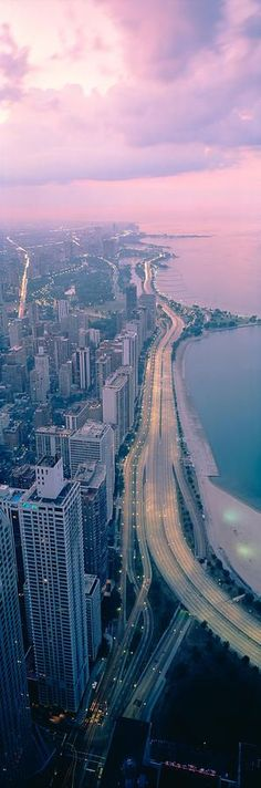 Chicago, Illinois, USA at Night