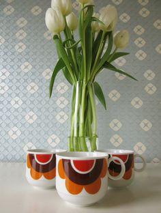 Vintage Tea Cups or Coffee Cups by Seltmann Weide K door Vantoen