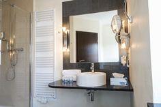 Badezimmer Feng Shui, Restaurant, Modern, Mirror, Bathroom, Frame, Furniture, Home Decor, Full Bath
