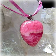 """The Hart form and quality manganese spar; rhodochrosite (L) A silver processing -  crystal, an angel, and healing one-house house"""" Crystal Garden   Mejiro """""""