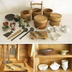 An antique Japanese miniature wood kitchen. Such wonderful detail. Kitchen Shop, Mini Kitchen, Miniature Kitchen, Miniature Houses, Miniature Food, Kitchen Items, Asian Kitchen, Japanese Kitchen, Diy Barbie Furniture