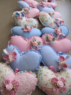 Diy And Crafts, Arts And Crafts, Miscellaneous Goods, Fabric Hearts, Gowns For Girls, Heart Crafts, Sewing Toys, Diy Face Mask, Diy Flowers