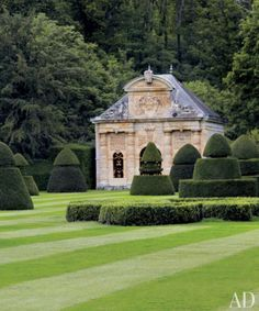 Lovely modern english country garden design ideas (29)