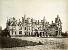 Eaton Hall.. Eaton.. Cheshire English Architecture, Classical Architecture, Historical Architecture, Victorian Architecture, Huge Houses, Old Houses, Manor Houses, Eaton Hall, Victorian Hall