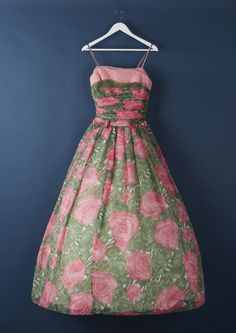 4b065a06d2 16 best 50s vintage fashion images | Vintage shops, Vintage stores ...