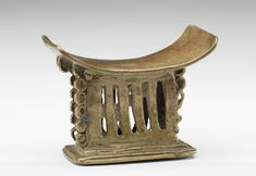 Akan gold weight, Headrest, Lost wax casting, brass, Overall: 1 × 1 7/8 × 1 inches (2.5 × 4.8 × 2.5 cm), 17th to 19th century African Words, Lost Wax Casting, West Africa, 19th Century, Stool, It Cast, Bronze, Brass, Metal