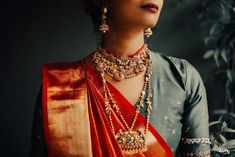 Beautiful South Indian Wedding Wear Idea :- AwesomeLifestyleFashion Different Culture have their own look and style and Kanjivaram and. Lehenga Jewellery, Temple Jewellery, Indian Wedding Wear, Indian Wear, Indian Blouse, Indian Sarees, Silk Sarees, Pakistani, South Indian Bridal Jewellery