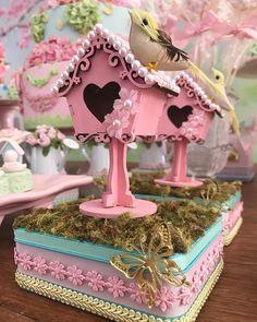 ✨O jardim da Helena e seus encantos! ✨ #boanoite #jardimencantado #festamenina #jardim #inspiresuafesta #amaisfestas_ #entrenafesta #mimosdeluxo #personalizadosdeluxo Fun Crafts, Diy And Crafts, Bird Party, Baby Shawer, Fairy Birthday, Bird Cages, 1st Birthdays, Girl Shower, Favours