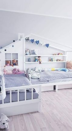 Homemade Cards Discover L-Shape nook double bed with reading sofa/sleeping bed and drawers shelves Montessori house bed House Beds For Kids, Kid Beds, Kids Bedroom Designs, Kids Room Design, Modern Kids Bedroom, Corner Twin Beds, Toddler Rooms, Toddler Bed, Double Beds