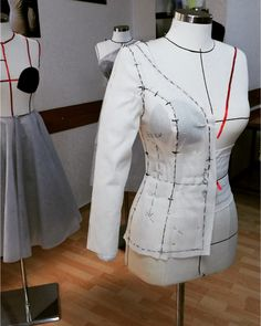 Dikiş teknikleri ve modelistlik kursu. #sewing #sewingpatterns #dress #dikis #dikiş #modelist Chef Jackets, Photo And Video, Fashion, Moda, Fasion, Trendy Fashion, La Mode