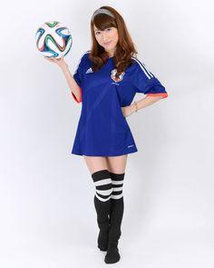 写真:岩下莉子さん サッカー日本代表ユニフォーム