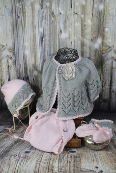 jacket set for newborn or reborn dolls in pink and grey