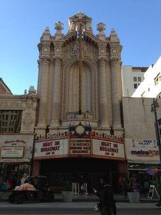 ロサンゼルス・ダウンタウンのイベントNight On Broadway2   California Los Angeles Architecture