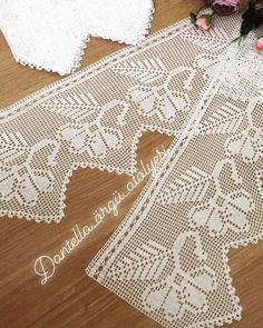 40 Different Pique Lace Samples, Hand Crochet, Crochet Lace, Baby Knitting Patterns, Hand Knitting, Crochet Placemats, Diy Crafts Crochet, Fillet Crochet, Crochet Borders, Etsy Christmas