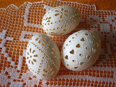 Kraslice - děrované, bílé, jemně zdobené