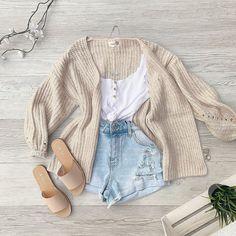 Teen Fashion Outfits, Modest Fashion, Outfits For Teens, Look Fashion, French Fashion, Fashion Fall, European Fashion, Diy Fashion, Fashion Tips