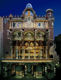 Palau de la Música Catalana - Barcelona (1908), designed by Lluis  Domènech i Montaner