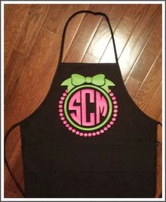 Super cute gift for a Bridal Shower or Bachelorette!!! Bow with Pearls Monogrammed Apron (2 Colors)
