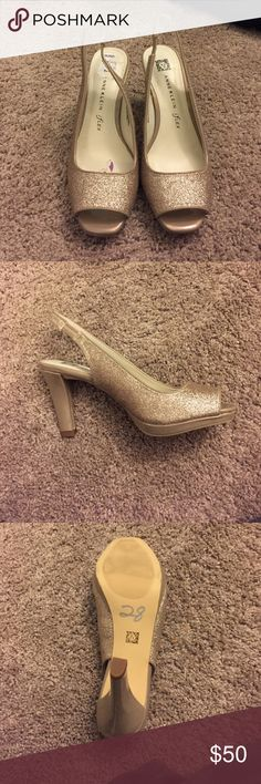 Anne Klein Sparkly Gold Heels Brand New Anne Klein heels. Never worn only put on for pictures and in the store. Bought for homecoming but ended up getting different shoes 🌵feel free to make an offer🌵 Anne Klein Shoes Heels