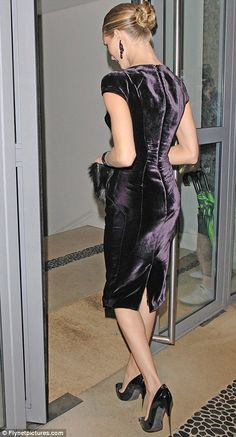 Rosie Huntington-Whiteley looks deflated as she turns up for the Tom Ford dinner | Mail Online