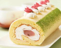 Sakura Cake Roll
