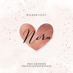 Romantisch geboortekaartje met roze hartjes en een groot hart van koper.