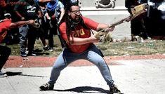Fiscal pide la detención de militante fotografiado cuando disparaba un mortero