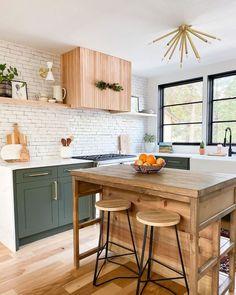 Green Kitchen Cabinets, New Kitchen, Family Kitchen, Updated Kitchen, Earthy Kitchen, Kitchen Wood, Awesome Kitchen, Kitchen Modern, Kitchen Shelves
