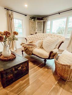 Antique Hoosier Cabinet, Craftsman Kitchen, Craftsman Bungalows, Victorian Architecture, White Farmhouse, Magnolia Homes, Shabby Chic Homes, Settee, Cottage
