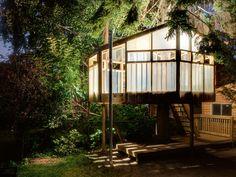 "Tree houses ""Nicko Bjorn Elliot Tree House"". ""Tree Houses: Fairy Tale Castles in the Air"" de Philip Jodidio. #treehouses, #ecodesign, #treehotel, #architecture, #arquitectura."