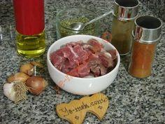 Kuşbaşı Et Terbiyesi Turkish Recipes, Homemade Beauty Products, Cake Recipes, Sausage, Food And Drink, Health Fitness, Nutrition, Meat, Wordpress Theme