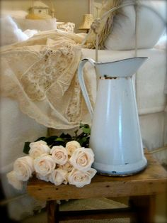 Vintage French White Enamel Pitcher on stool Shabby Vintage, French Vintage, Shabby Chic, French Country Cottage, French Country Decorating, Jeanne D'arc Living, Vintage Enamelware, Guest Room Decor, Lady Grey